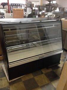 Refrigerated Display Case - 5 Feet Long