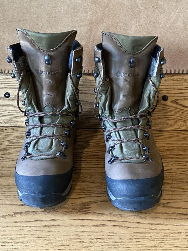 Schnees Beartooth 200 mountain boots