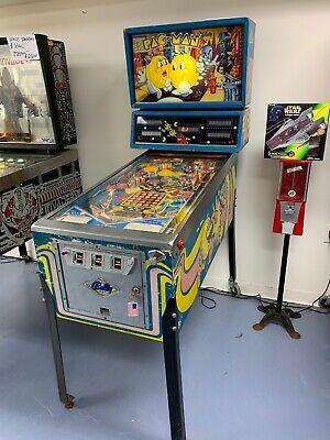 1982 Bally Mr & Mrs Pac-Man Pinball Machine