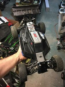 Team associated Rc8.2