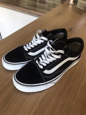 Womens Black and White Old Skool Vans size 6