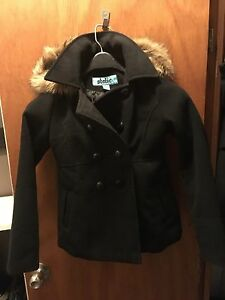 Girls toggle coat size 7-8 Belleville Belleville Area image 1