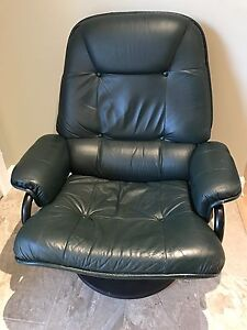 Pallister leather reclining chair and ottoman London Ontario image 2