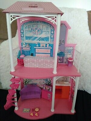 Barbie 2 Story Beach House With Original furniture & Accessories great condition