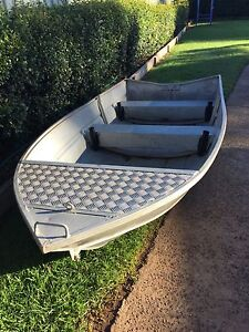 3metre Tinnie Boat and Sea Hawk 2 Stroke motor North Toowoomba Toowoomba City Preview