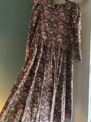 Beautiful vintage Laura Ashley Floral Prairie dress.... Size 14