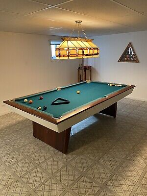 Tables Vintage - How To Identify A Brunswick Pool Table