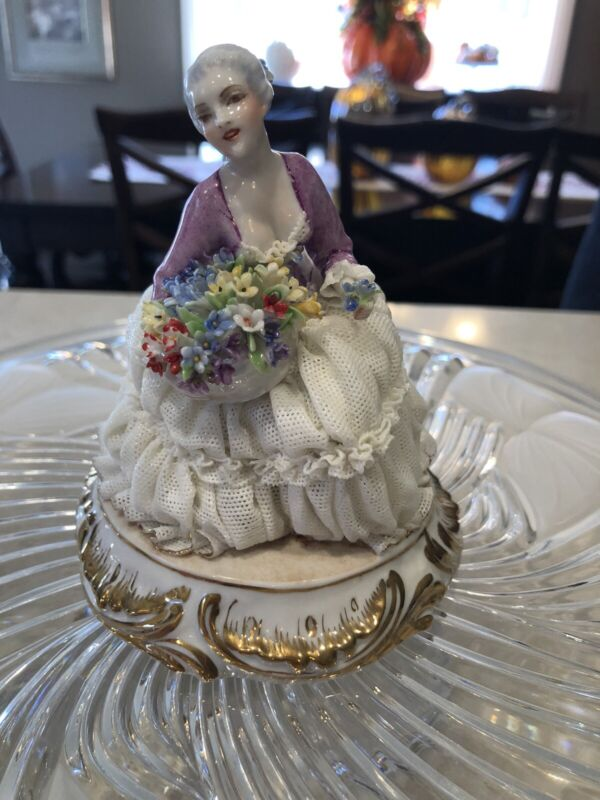 RARE Luigi Fabris Lace Figurine Lady Holding Flowers Porcelain Italian -MINT