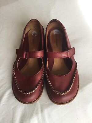 Ladies Leather Hush Puppies Mary Jane Shoes Size 6. EXCELLENT CONDITION