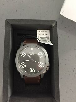 NIXON RANGER 45 LEATHER WATCH AS NEW