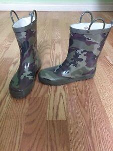 Boys rain boots