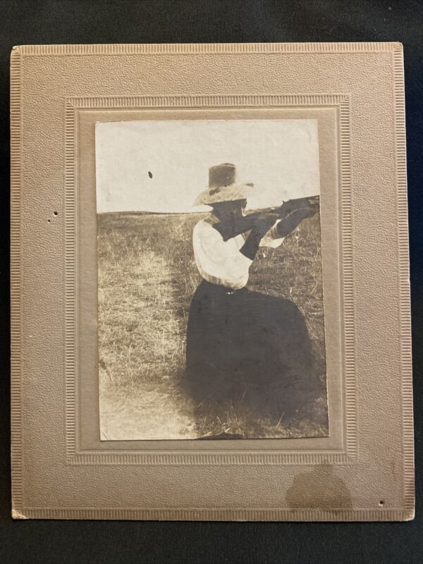 1910 Antique African American Woman in Dress and Hat Shooting Rifle Broadview Mt