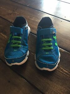 Under Armour Running Shoes - Size 2 Youth