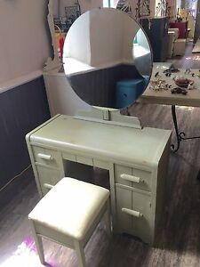 Lovely Vanity Set