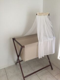Bassinet for sale.  Mount Warrigal Shellharbour Area Preview