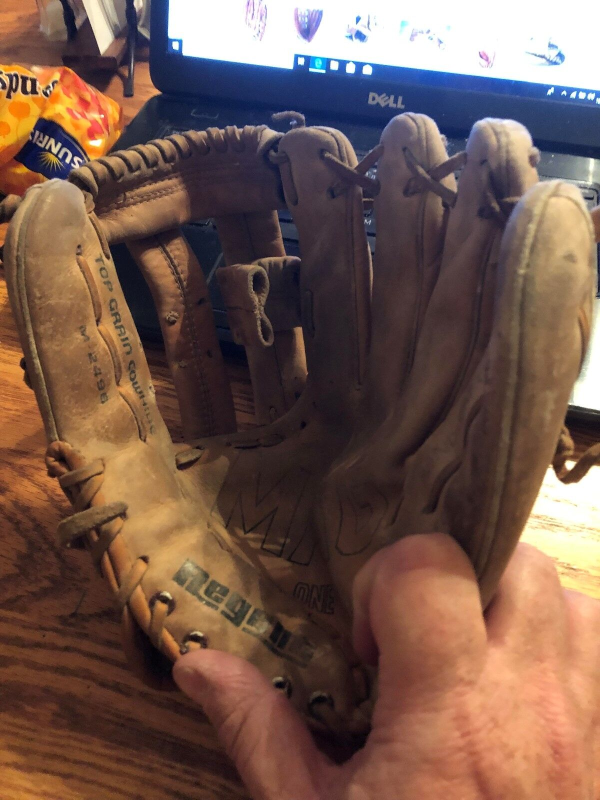 Regent Mag One Model M-2496 Hand Crafted - Nice Glove  - $7.76
