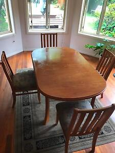 Free Dining Table +8 chairs Brighton-le-sands Rockdale Area Preview