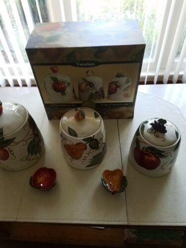 Table Tops Venetian Pattern 3 Pc Canister Set With 2- Mini-Condiment Bowls