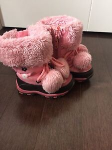 Baby girl winter boots size 5