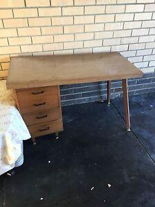 Free desk Dianella Stirling Area Preview