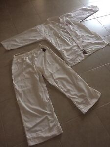 Karate GKR suit and belts St Albans Brimbank Area Preview