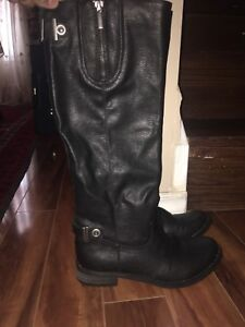 K&M Woman's Black Leather Boots
