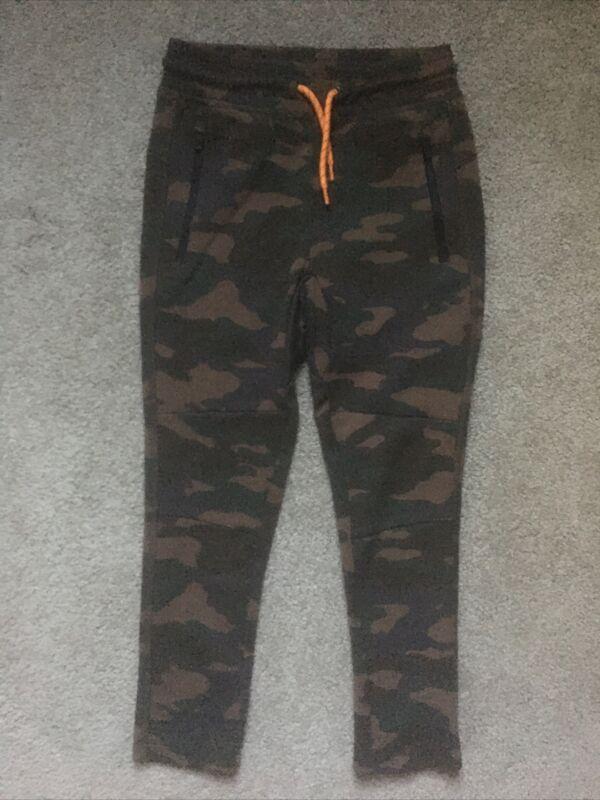 Boys Gap fit Dry size 4 Camo sweatpants Stylish Zip Pockets EUC