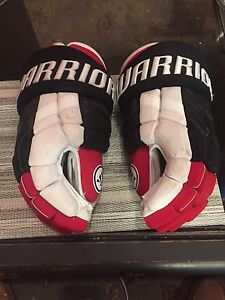Blackhawks 2015 Winter Classic Hockey Gloves
