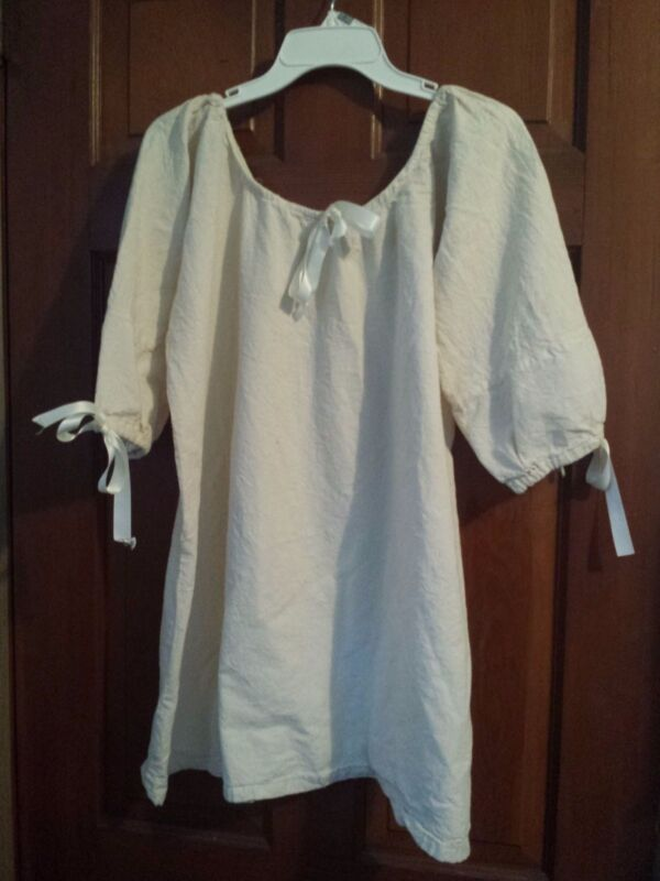 Renaissance colonial 18th century chemise shift. handstitched ivory cotton