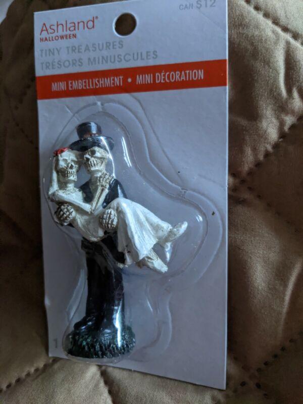 Ashland Halloween Tiny Treasures Skeleton Bride and Groom  New