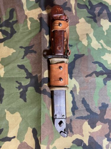 ROMANIAN TYPE I BAYONET BAKELATE HANDLE.  MATCH NUMBERS. OLD STOCK.