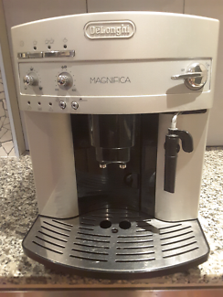 Delonghi Magnifica Fully Automatic Coffee Machine