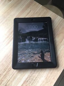 IPAD 2 - 32GB WITH CASE AND SCREEN PROTECTOR!