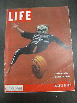LIFE MAGAZINE OCTOBER 31 1960 HALLOWEEN ANITA EKBERG CUBA CASTRO NICE!!](31 October Halloween)