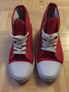 Espadrilles / Bottines Rouge - Style Converse