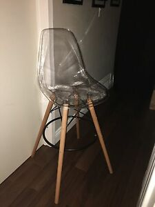 Tall clear chair  Oakville / Halton Region Toronto (GTA) image 2