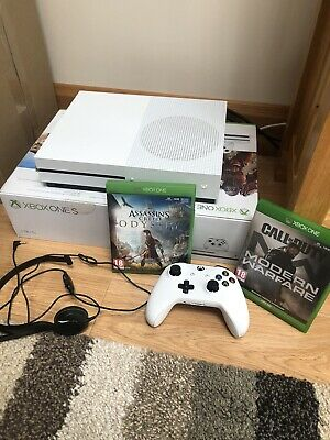Used xbox one s console 1tb But Very Good Condition