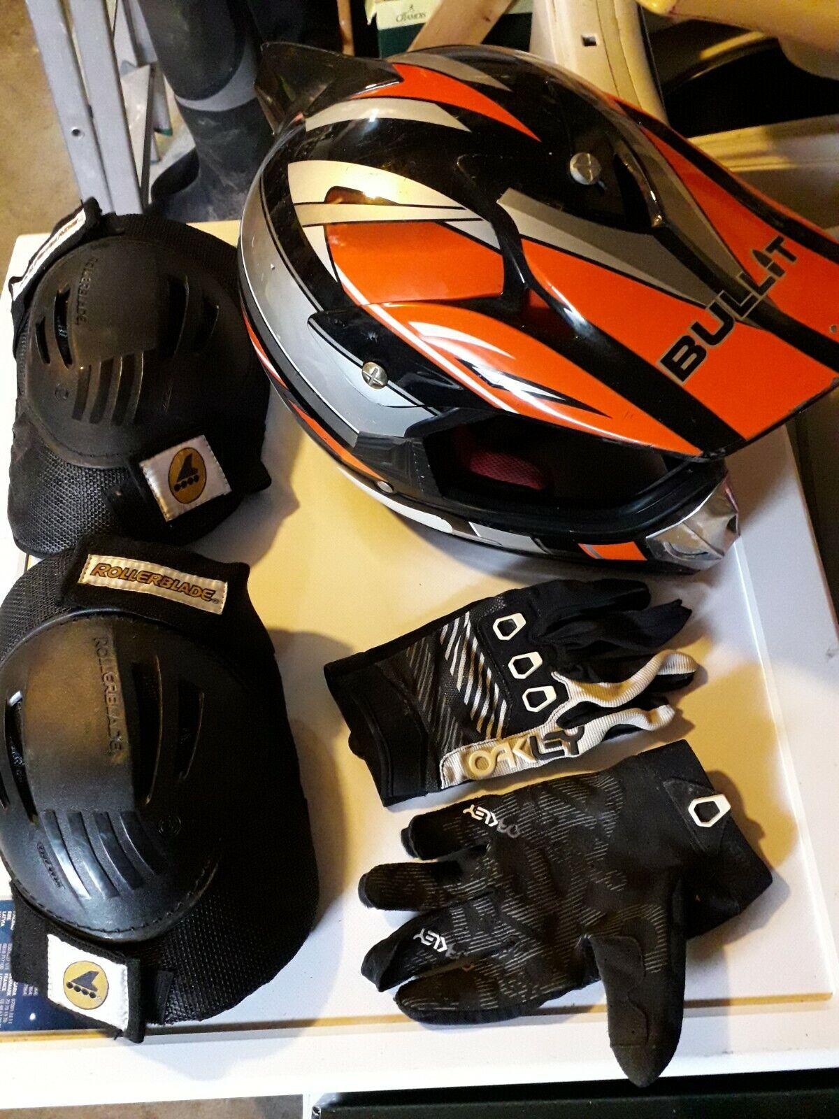 Casque moto cross bullit taille s + protections genou rollerblade + gants oakley
