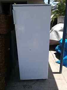 Lemair 280L fridge with small freezer up top  $ 120 Cessnock Cessnock Area Preview