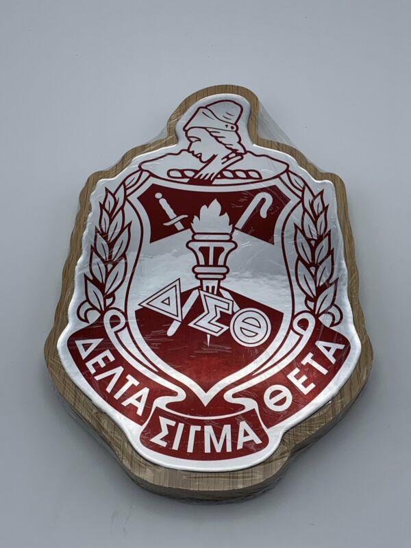 "Delta Sigma Theta - Domed Crest Plaque 9.5"" × 9.5"""