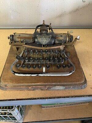 ANTIQUE 1903 BLICKENSDERFER NO. 7  TYPEWRITER WITH WOODEN  CASE