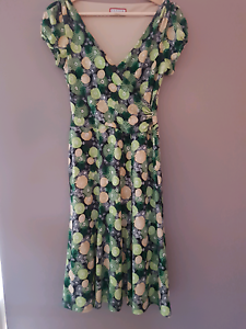 Review dress size 10 - immaculate cond Carine Stirling Area Preview