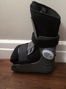 Brand New Air Cast (small)  Cambridge Kitchener Area image 1