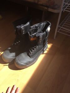 Woman's black size 7 steal toe boots