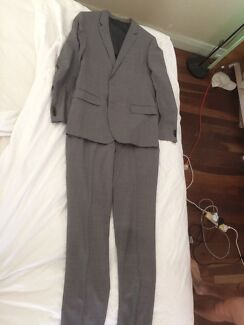 Hugo Boss Grey Suit - As new conditon