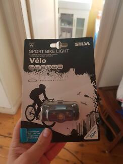 Bike light with batteries