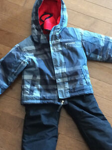 Boys Columbia snowsuit sz 4