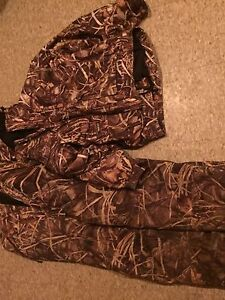 Duck hunting jacket and bibs  Peterborough Peterborough Area image 2