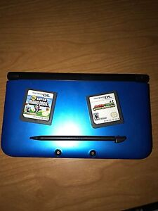 Nintendo 3DS XL with 2 games + Charger