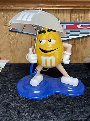M&M's Vintage Umbrella Shower AM/FM Radio. Tested and It Works